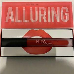 HUDA BEAUTY Makeup - Huda Beauty Liquid Matte Lip in Alluring